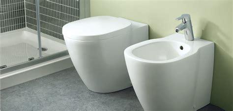Prezzi Sanitari Bagno Ideal Standard Sanitari Sospesi In Ceramica Vasi Wc Bidet Lavabi E