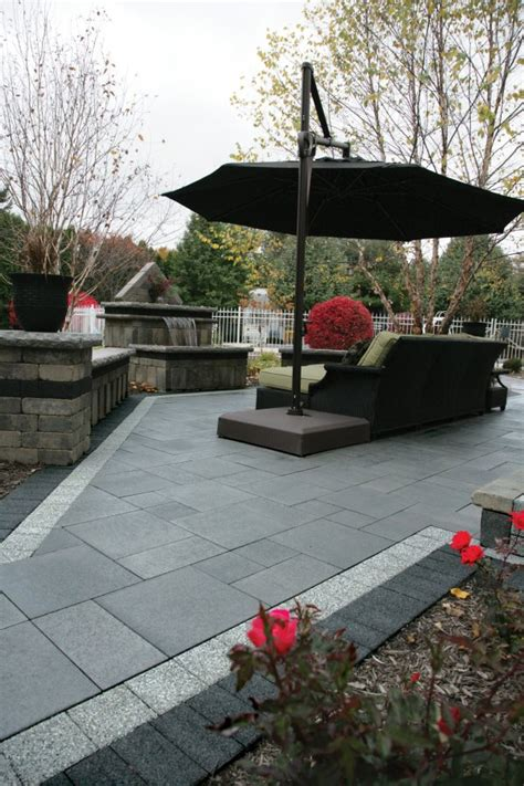 series 3000 unilock umbriano patio with series 3000 accent paver by unilock