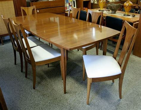 large vintage broyhill emphasis walnut dining table and