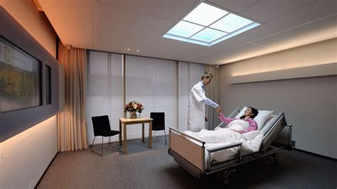 hospitalisation chambre individuelle a l 39 hôpital une chambre individuelle coûte 970 euros de plus que la chambre commune rtbf societe