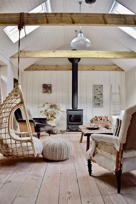How to bring color to the sofa? Cottage interiors