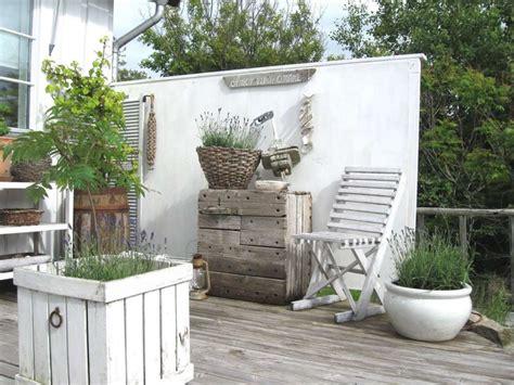 arredare il terrazzo fai da te come arredare un terrazzo in stile shabby foto design mag
