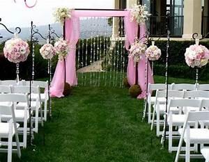Boules de fleur une decoration de mariage a la hauteur for Awesome decoration pour jardin exterieur 2 deco entree eglise mariage