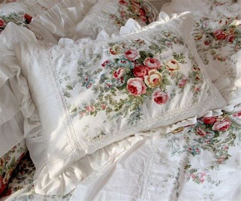 shabby chic fuzzy blanket 961 best images about quartos on pinterest flower prints duvet covers and bed sets