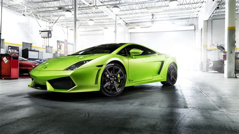 10 Lamborghini Supercars Wallpapers