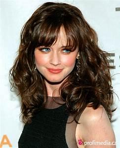 Celebrity Alexis Bledel Long Wavy Hairstyle Wallpaper ...