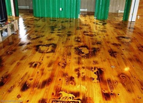 tips for applying polyurethane to hardwood floors how to apply and remove polyurethane on hardwood floors