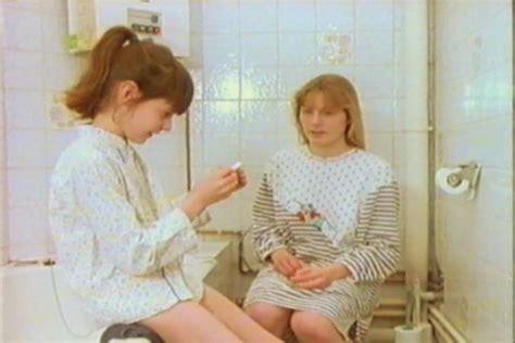 Azov Film Puberty Sexuele Voorlichting