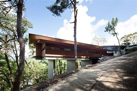 cantilevered contemporary japanese home by kidosaki architects
