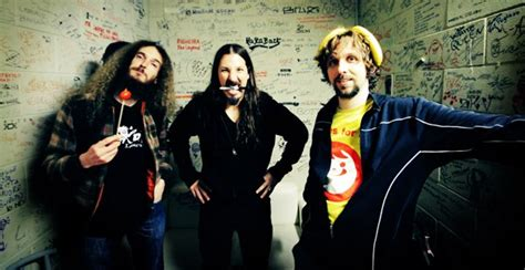 Paradox Sold Out The Aristocrats (usa) Ft Guthrie Govan