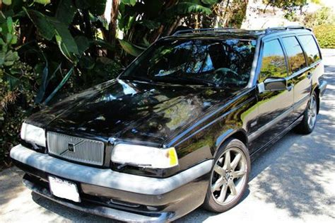 sell   owner  volvo   wagon  year