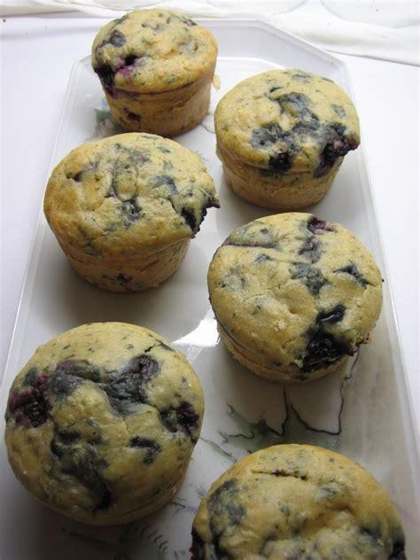 cuisine et voyage muffins aux mûres et au basilic gourmandises