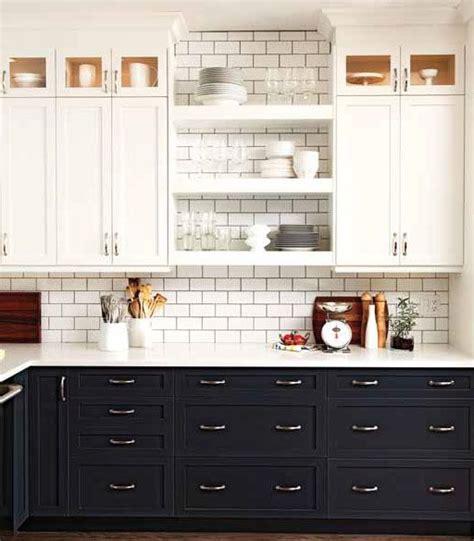 contrasting kitchen cabinets la dolce vita beautiful kitchens contrasting cabinets 2555