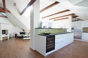 Wohnzimmer Mit Küche Ideen : dachwohnung einrichten 35 inspirirende ideen ~ Markanthonyermac.com Haus und Dekorationen