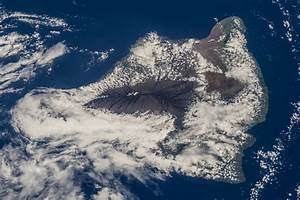 Cloud-Covered Big Island of Hawaii | NASA