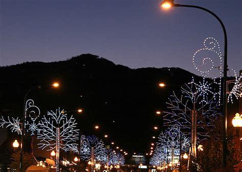 gatlinburg christmas lights travel globetrotters