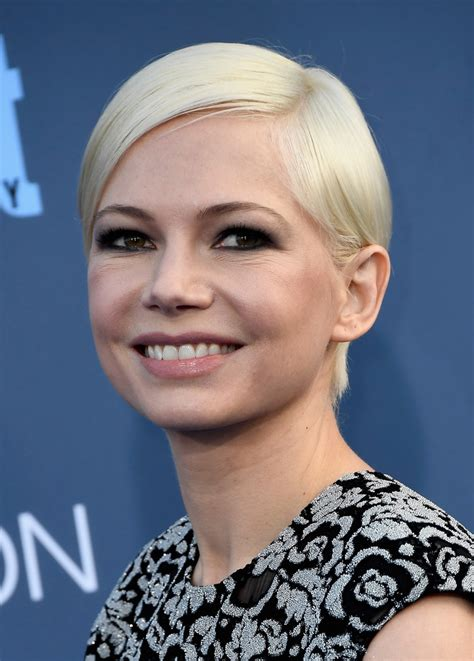 michelle williams short side part short hairstyles lookbook stylebistro