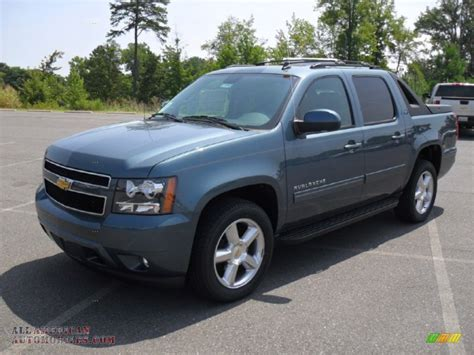 chevrolet avalanche lt  blue granite metallic