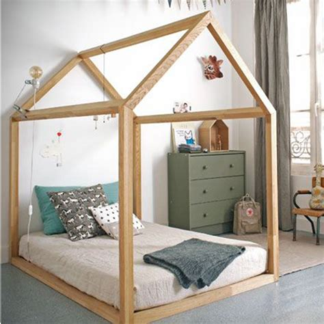 chambre intervilleuse lit bébé maison