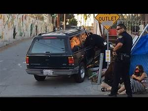 San Diego Police search for Stolen Vehicle Suspect - YouTube