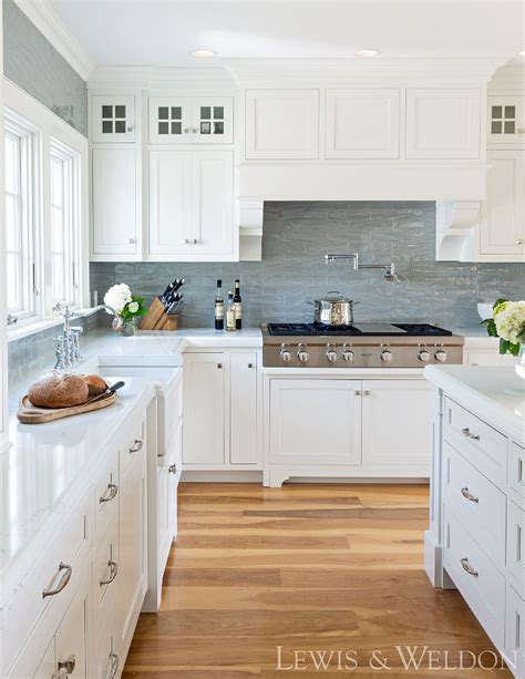 benjamin moore white cabinets home bunch interior design ideas 300 | Benjamin Moore OC 17 White Dove Cabinets are Maple painted Benjamin Moore White Dove Benjamin Moore White Dove Benjamin Moore White Dove OC 17 BenjaminMooreOC17WhiteDove
