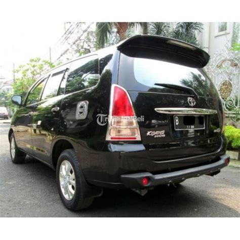 Toyota Kijang Innova Backgrounds by Mobil Innova 2005 Cars Wallpapers
