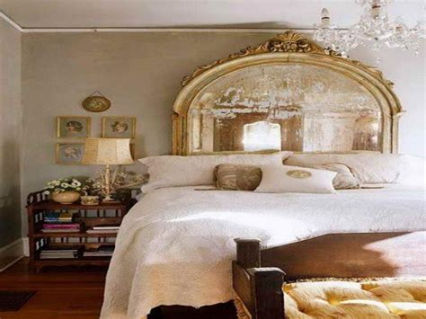 20 Stunning Mirrored Headboard Designs