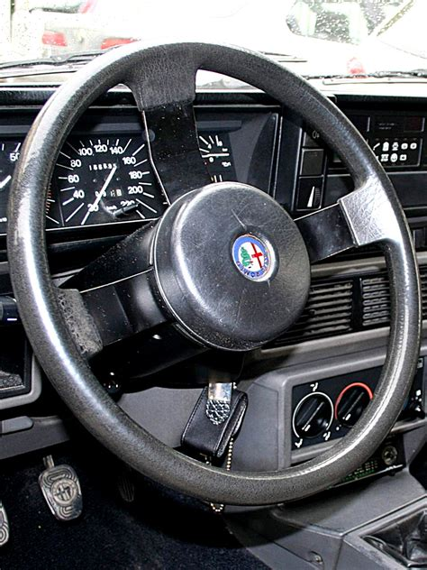 Volante Alfa 75 by Foto Di Particolari Delle Alfa Romeo Alfa 75 1 6 E 1 8