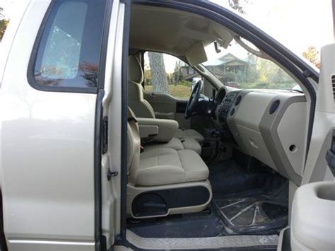 sell   ford   xl extended cab pickup  door