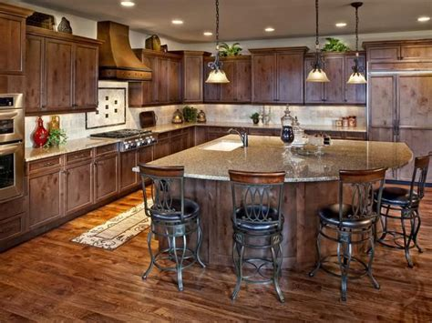 country kitchen tv 25 best ideas about kitchen island shapes on 2917
