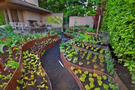 easy ways  create  stunning vegetable garden