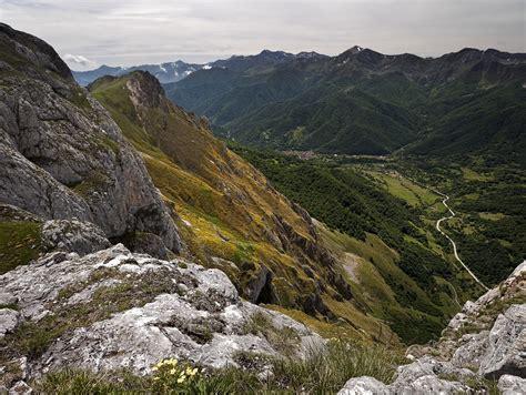 mountain ranges in spain cantabrian mountains mountain range in spain thousand
