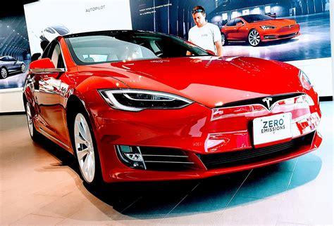Une voiture Tesla moins chère est désormais possible ...