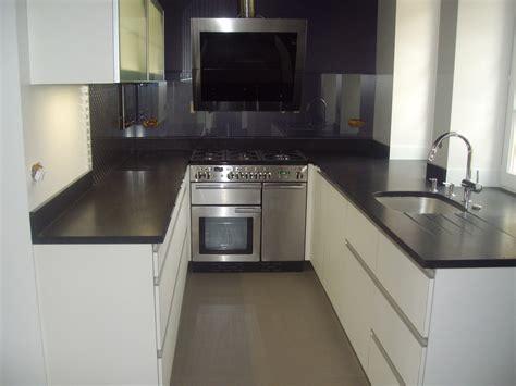 cuisine ikea abstrakt blanc laque cuisine noir laqu cuisine ikea laquer noir avec crdence