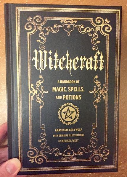 witchcraft  handbook  magic spells  potions
