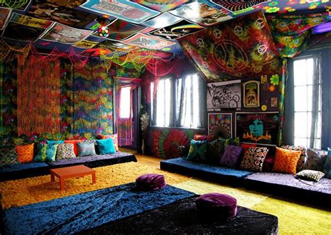 beautiful pictures  bohemian style  decorate