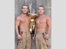 Des pompiers australiens posent avec des animaux pour le