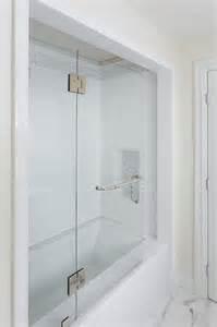 tiling a bathtub alcove photo