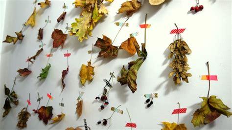 Mit Blättern Basteln by In Herbst Basteln Mit Kindern Die Bl 228 Tter K 252 Nstlerwand