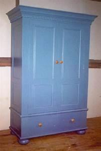 Armoire Peint En Bleu Decoration De Maison