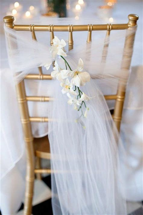 decoration chaise mariage 1000 idées sur le thème housses de chaises sur
