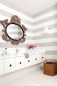 Papier Peint Salle De Bain : classiques revisit s le papier peint dans la salle d 39 eau ~ Dailycaller-alerts.com Idées de Décoration