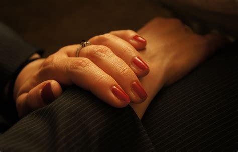 FileA womanu0026#39;s hands.JPG - Wikimedia Commons