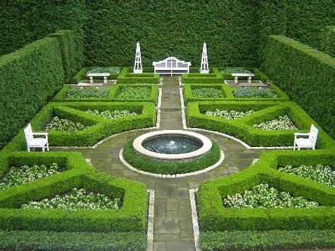 Formal Garden : French Formal Garden