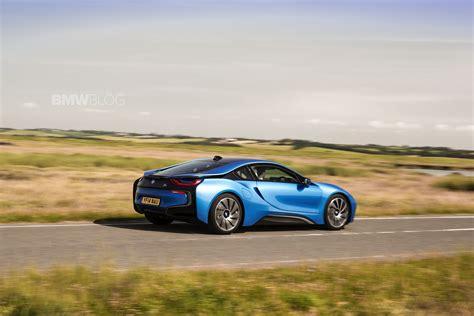 bmw supercar blue bmw i8 demand sees 50 premium