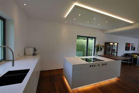küche mit schwarzer arbeitsplatte arbeitsplatte k 195 188 che schwarz