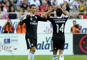 Chicharito: Ronaldo inspired me during 'frustrating' Real ...
