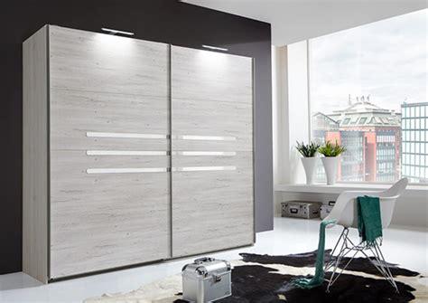 armoire chambre à coucher armoire 2 portes coulissantes chambre à coucher chene