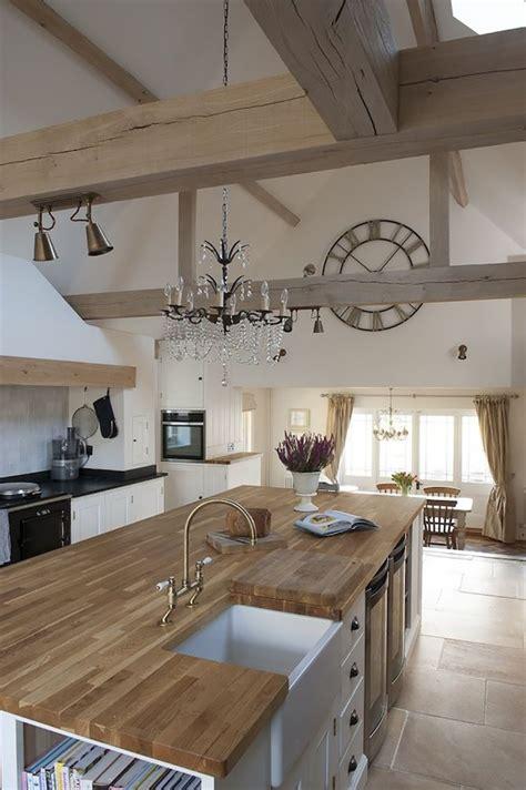une normande en cuisine la même déco une cuisine cagne chic avec un grand