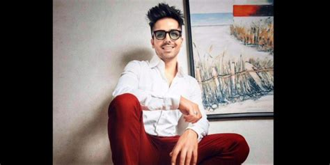 Harrdy Sandhu's New Song 'kya Baat Ay' To Give 'massive